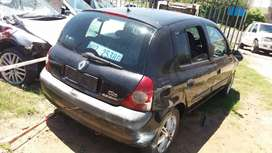 Renault clio stripping for spares