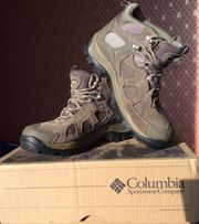Продам женские зиминие ботинки Columbia 38-го размера