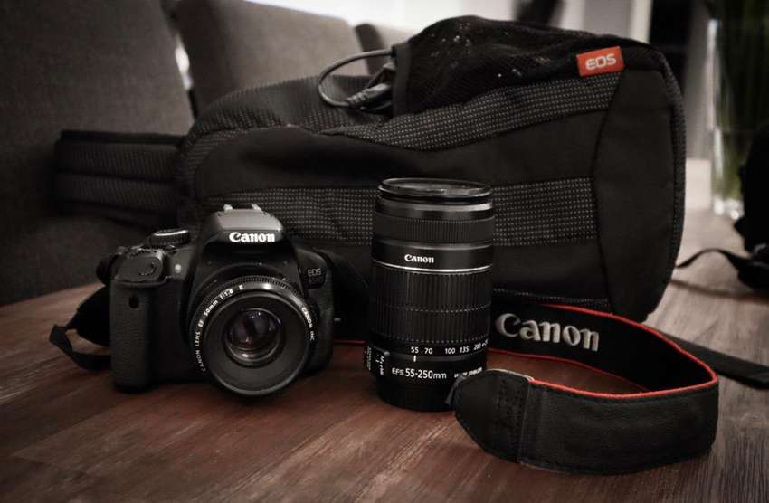 Canon 650d 2 lenses package plus extras ( one owner ) 0