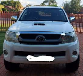Toyota Hilux 3.0 D4D 4X2 Manual Bakkie (Price Negotiable)