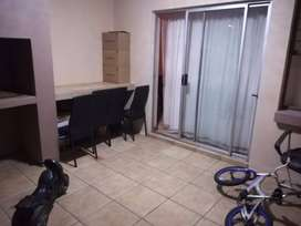 2 bedroom apartment available to share in Sundowner, Northgate R3000