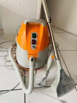Deep cleaning extraction machine