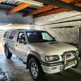 Looking for cars n bakkies  we come to you