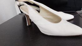 туфли с открытой пяткой кожаные белые стел. 22,5 см, 35 размер Италия
