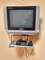 продам комплект телевизор+настенное крепление+спутниковый тюнер