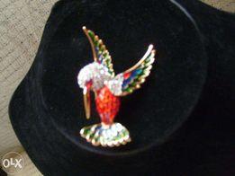 Elegancki kolorowy ptak broszka - Jak nowy