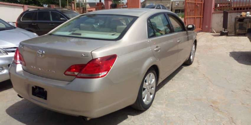 Very Clean Tokunbo Toyota Avalon 08 0