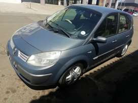 Renault very neat car for sale bargain
