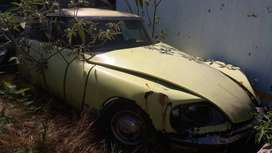 Citroen DS21 For Restoration or parts