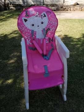 2-in-1 Baby Highchair