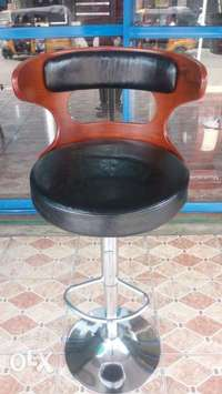 This is a brand new wine bar stool 0