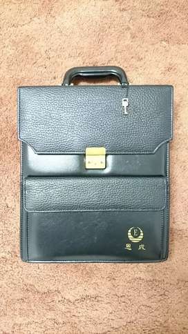 Small suit case