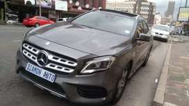 Mercedes Benz AMG 200d  panaromics sun roof automatic