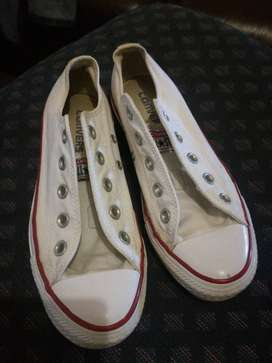 white All-star, size 3