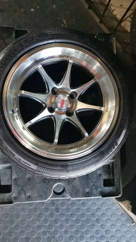 15 inch mags with 195/50/15 TYRES