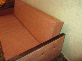 Продаю диван - книжку под ремонт или перетяжку