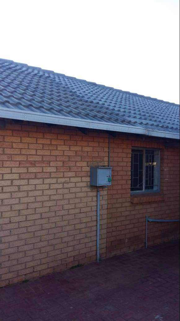 A house for sale in Soshanguve-K 0