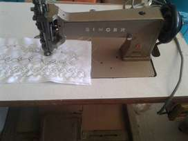 SINGER INDUSTRIAL EMBROIDERY/QUILTING MACHINE