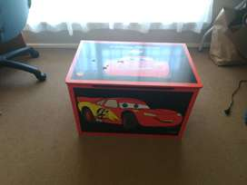 Lightning McQueen /Cars toy box