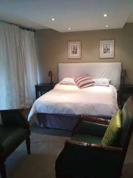 A big back room, 1 bedroom unit to rent in a guest house