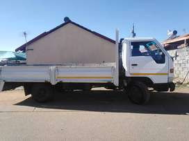 Urgent: 2003 Toyota 4 ton truck for.sale