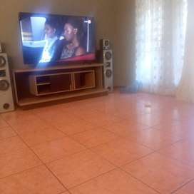 THREE BEDROOMED HOUSE TO RENTT