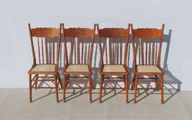 4 Vintage Colonial Daisy Spindle Back Dining Room Chairs
