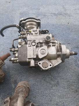 Injectors ,and injector pump  steering pump  for sale