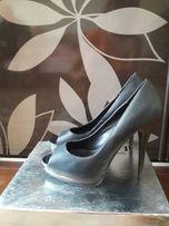 Туфли женские ( босоножки)