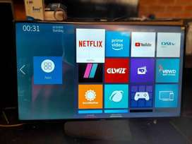 am selling smart samsung tv 32 inches  new from the box