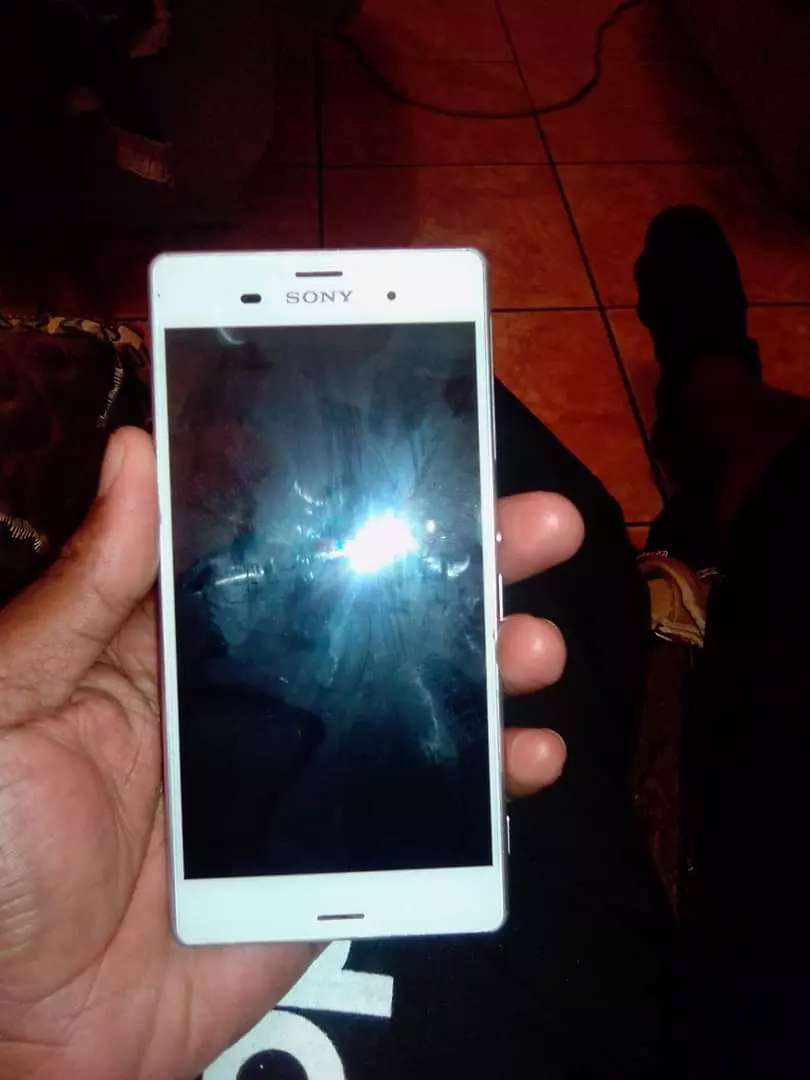 Selling Sony Xperia 1.300 0