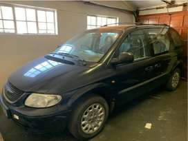 2002 Chrysler Voyager , Black