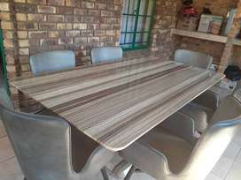Dinning table and 6 chairs for sale