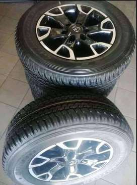 """18""""Toyota Legend 50 mags with brand new 265/60/18 Dunlop for R13999"""