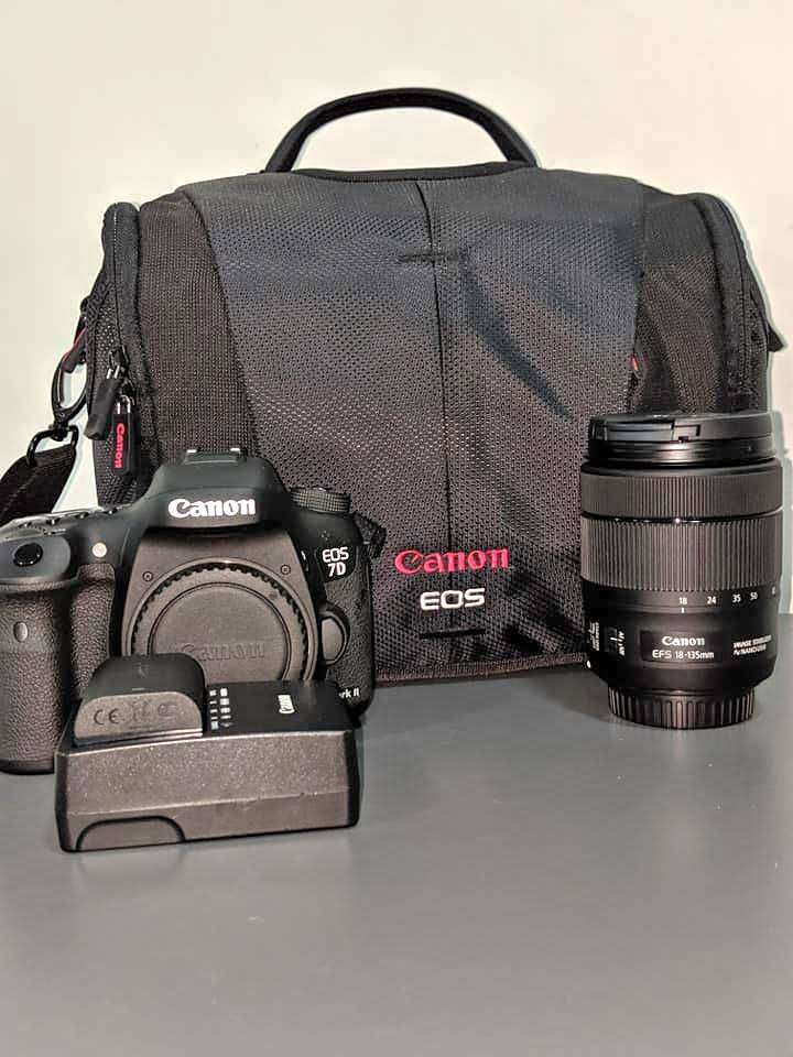 CANON EOS 7D MARK II WITH EFS 18-35MM LENS 0