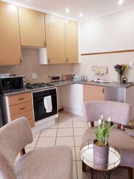 Cosy bachelor unit in Sagewood - Midrand