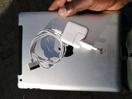 IPad 3 64GB Wi-Fi + Cellular (free delivery within 20km)