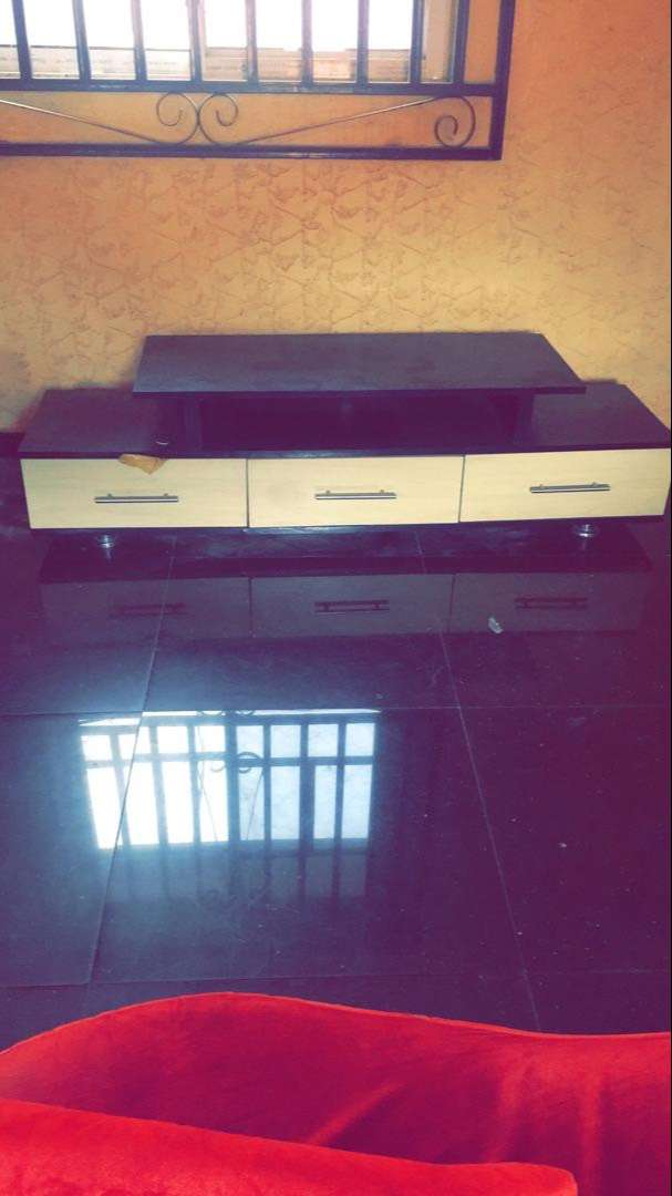 TV Stand and chairs for sale 0