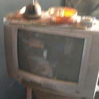 Телевизор б\у продам