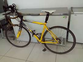 Giant racing bike 268Sep20