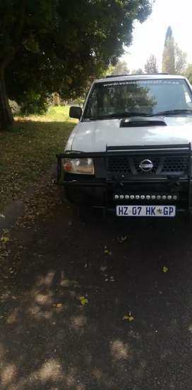 I'm selling a Nissan Np300 , in very good condition. Recently serviced