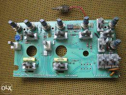 Осциллограф Tektronix 2215. Фронтальная панель и блок аттенюаторов.