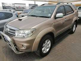 TOYOTA FORTUNER 3.0 D4D RACE BODY