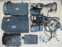 Блок предохранителей крышка мотора корпус акамулятора Mazda 3 6