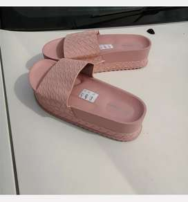 Shoes size 6 up to 8
