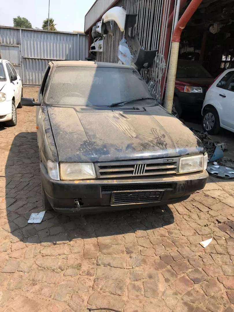 Fiat uno stripping for spare parts 0