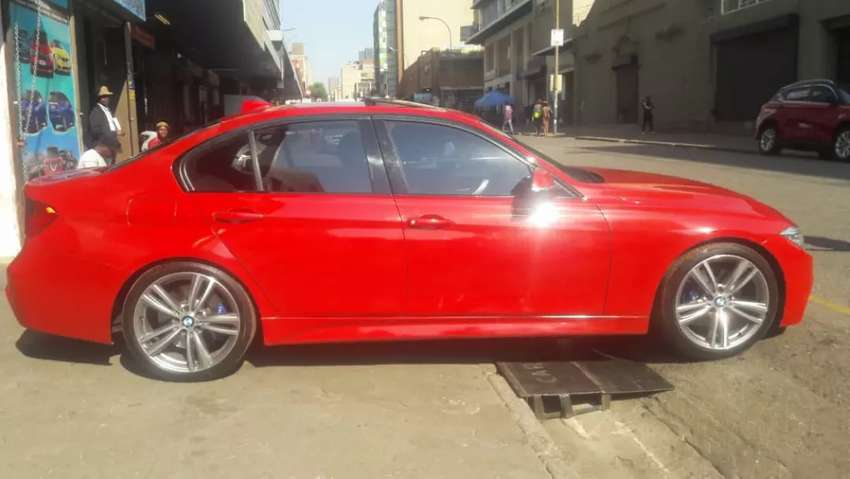 BMW 320i for SALE 0