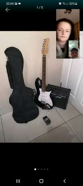 Hi i'm not selling but looking for a electric guitar
