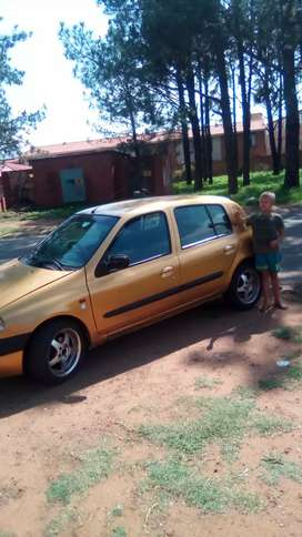 Cleo on the road wt disc and papers R23000
