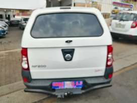 2018 Nissan Np200 1.6 engine capacity with canopy.